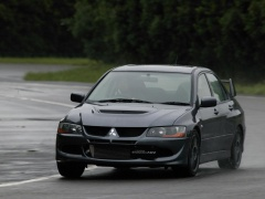 Lancer Evolution VIII photo #13902
