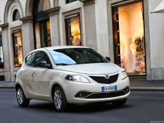 Ypsilon photo #156676
