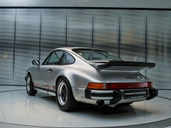 Porsche 911 Turbo (930) pic