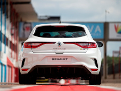 Megane RS Trophy photo #195934