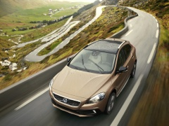 V40 Cross Country photo #126504