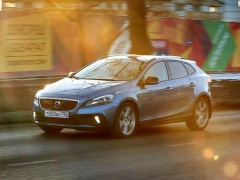 Volvo V40 Cross Country pic