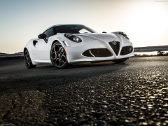 alfa romeo 4c coupe us-version pic #122040