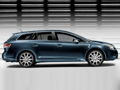 toyota avensis verso pic #58176