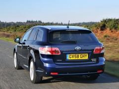 Avensis Tourer photo #72229