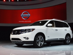 Pathfinder Hybrid 2014 photo #103782