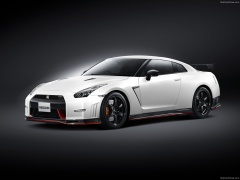 nissan gt-r nismo pic #131158