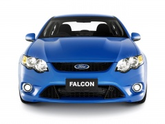 Ford Falcon XR8 pic