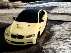 Dakar Yellow BMW M3 (E92) photo #65956