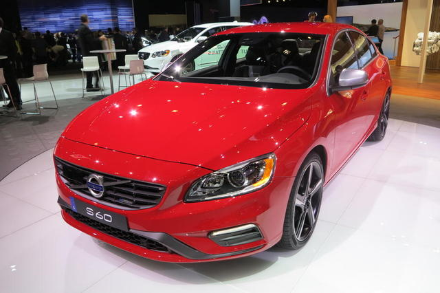 Volvo R-Design Vehicles Showed at LA