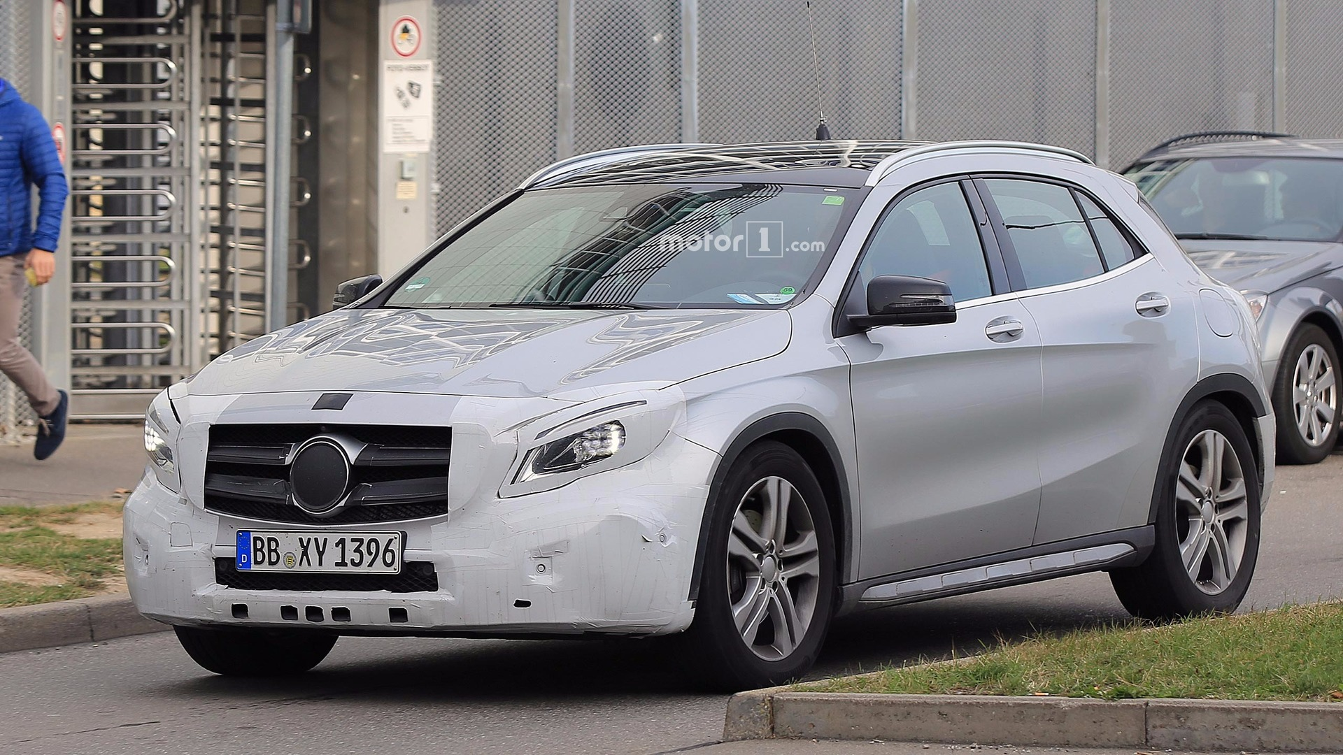 Mercedes Should Reveal GLA Facelift Next Monday