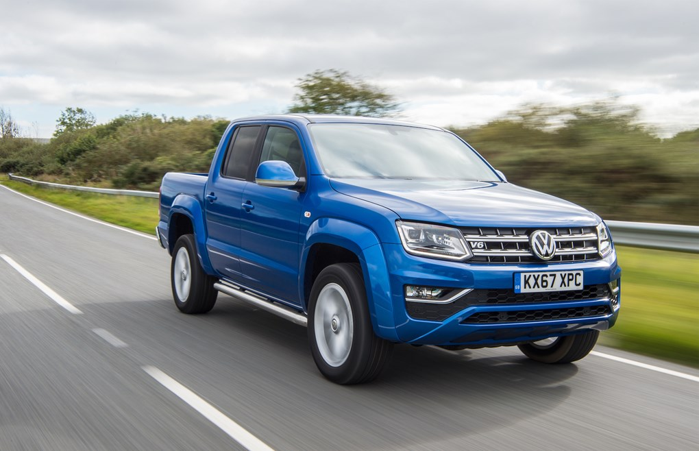 Volkswagen Amarok received a manual transmission and 201-strong diesel