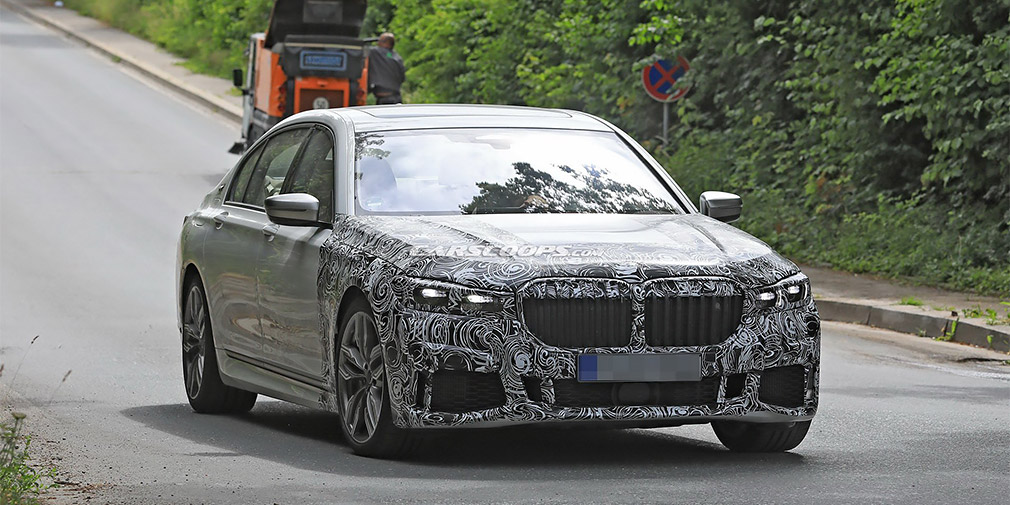 The first tests of restyling BMW 7-Series