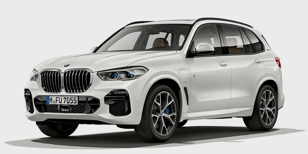The new BMW X5 became a hybrid