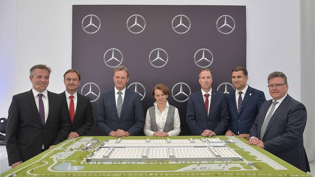 Engine Plant From Mercedes In Poland