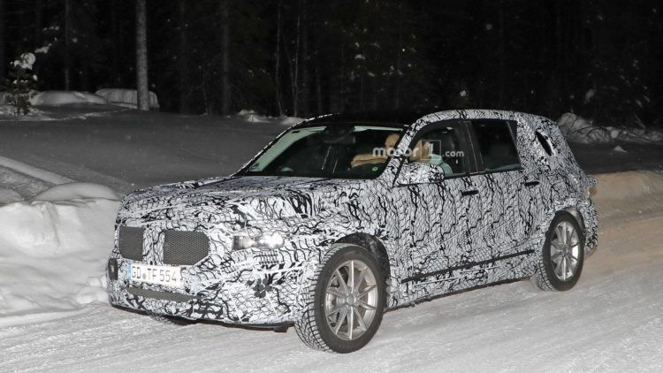 Paparazzi Caught Next Year's Mercedes-Benz GLB
