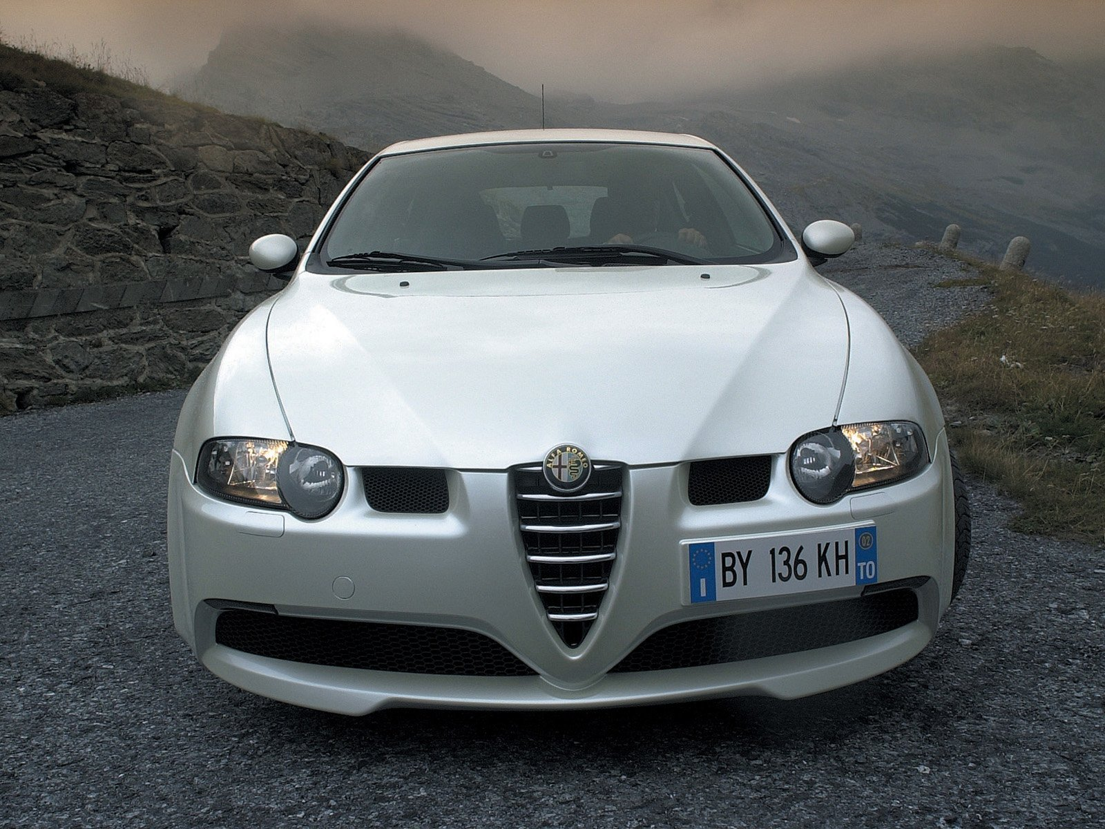 alfa romeo 147 gta car review features specification prices. Black Bedroom Furniture Sets. Home Design Ideas