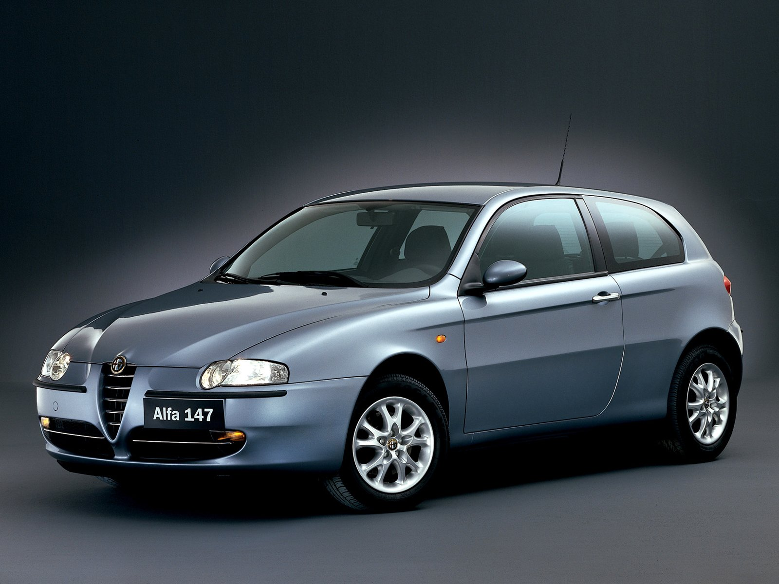 alfa romeo 147 photos photogallery with 59 pics. Black Bedroom Furniture Sets. Home Design Ideas