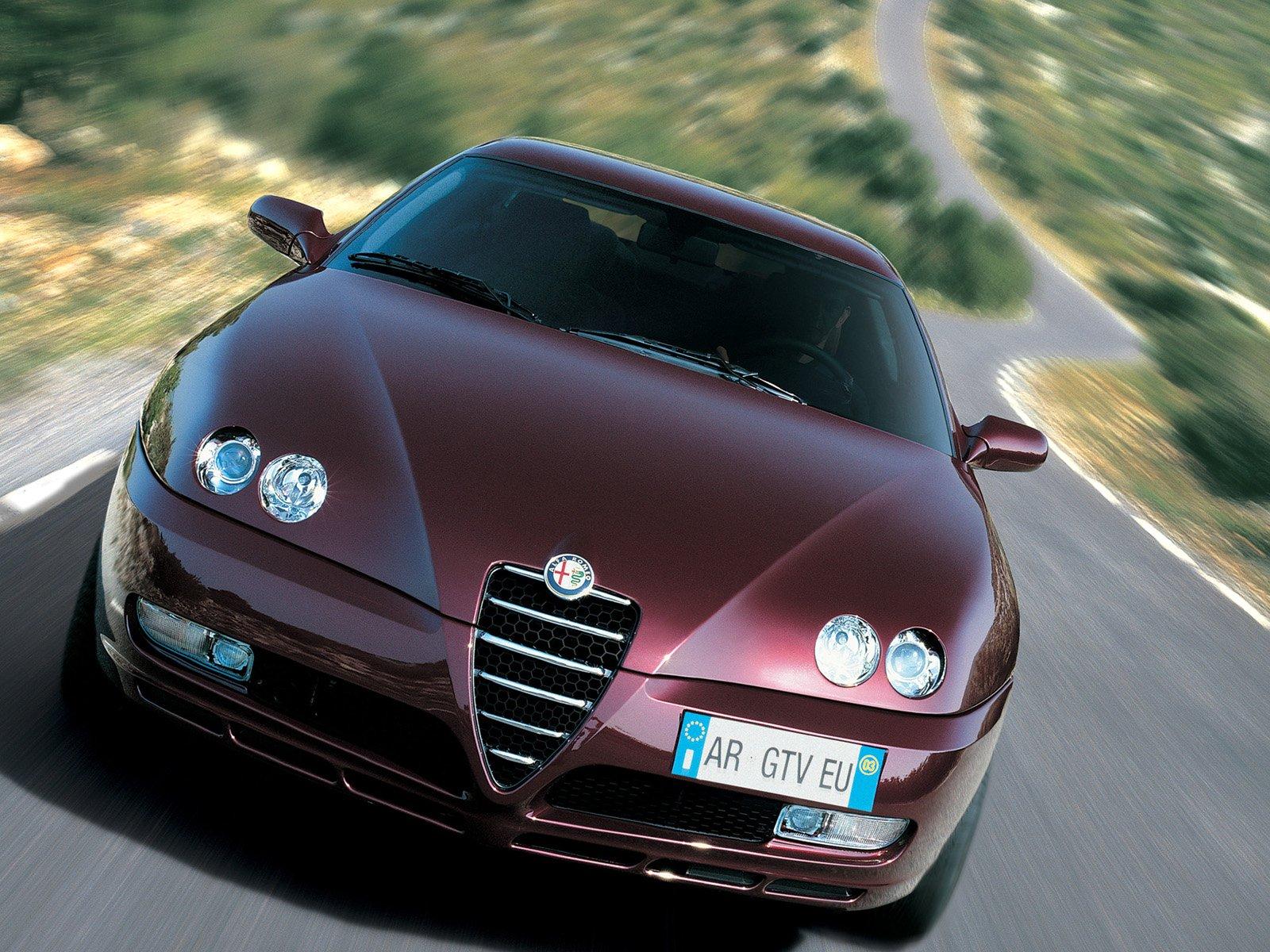 Alfa romeo giulia v6 twin turbo 12