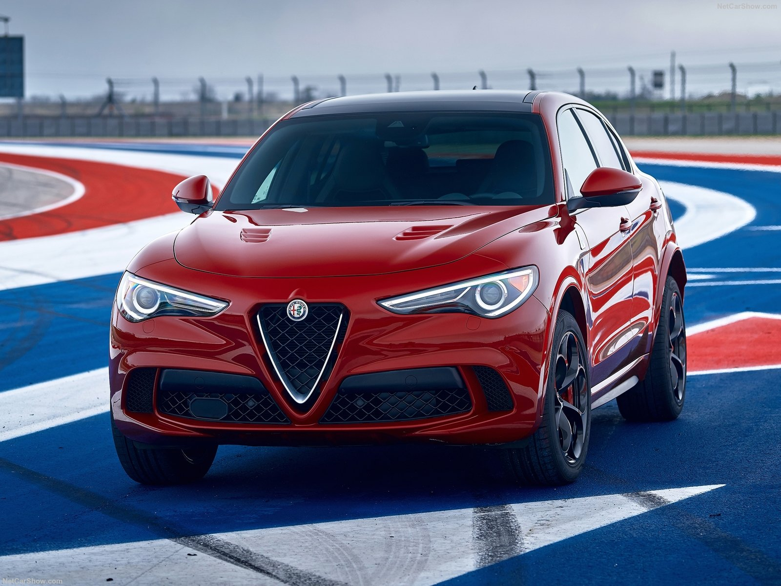 Alfa Romeo Stelvio photo 188088