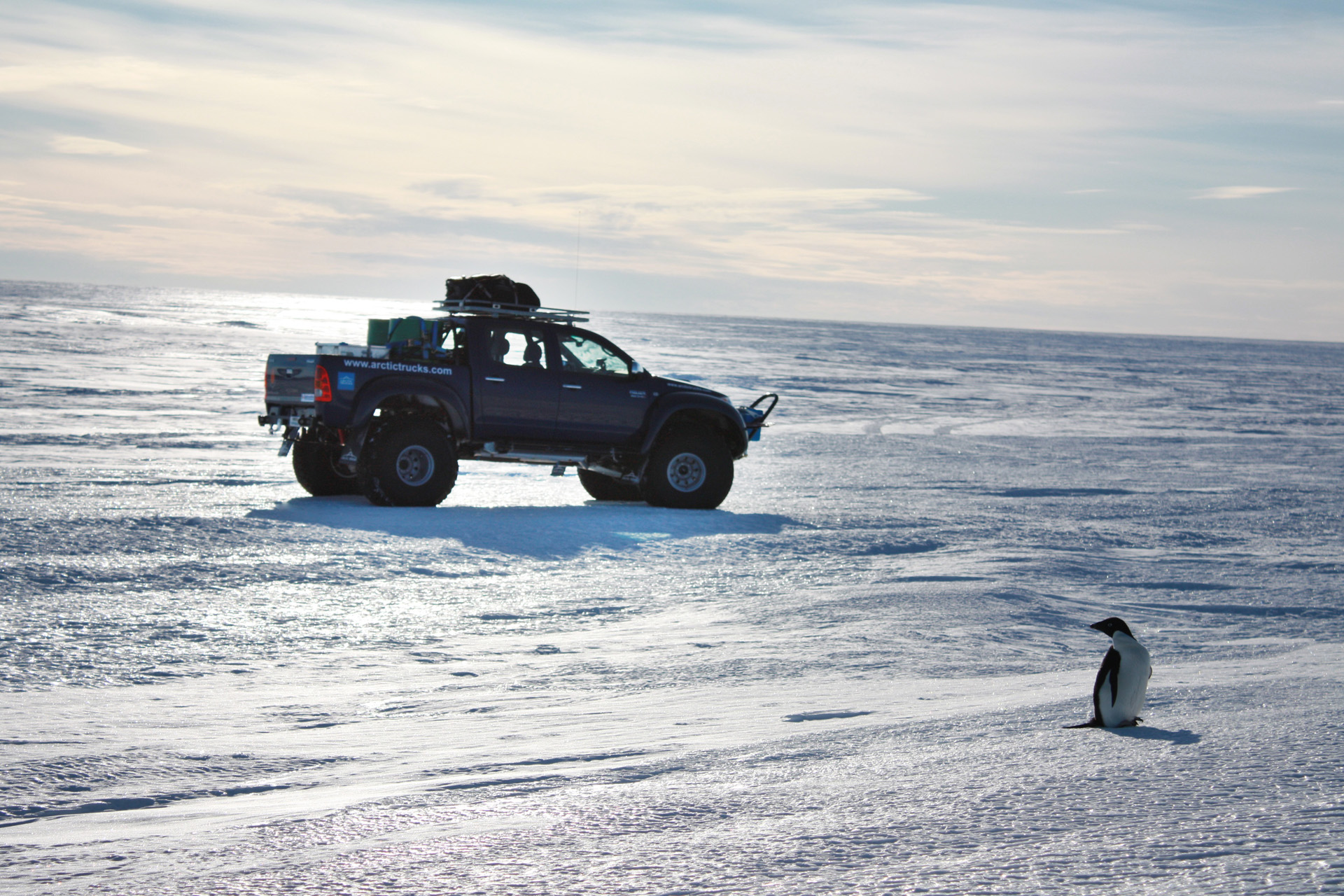 Arctic Trucks Toyota Hilux photos - Photo Gallery Page #2| CarsBase ...