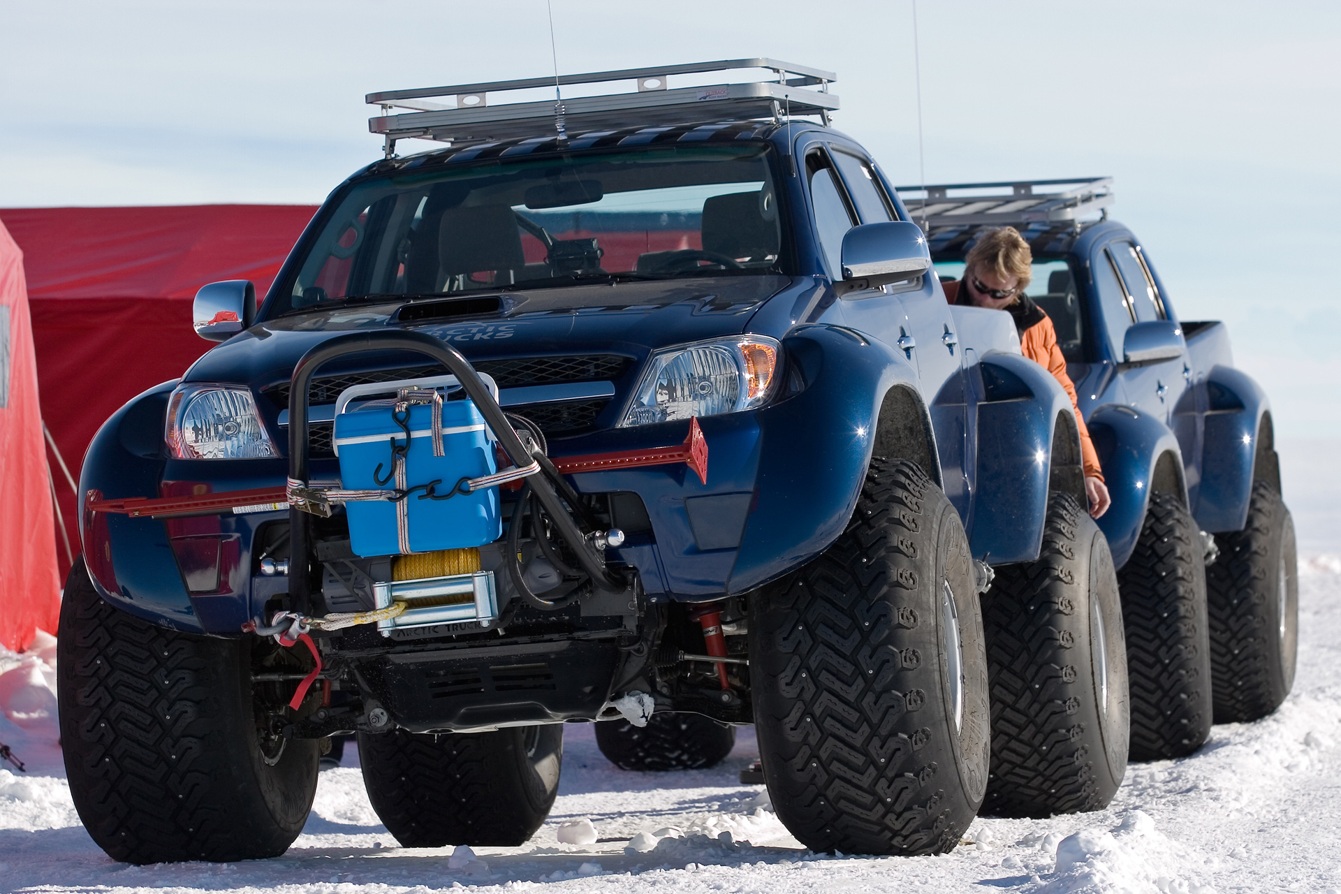 Arctic Trucks Toyota Hilux Photos Photo Gallery Page 2 Carsbase Com