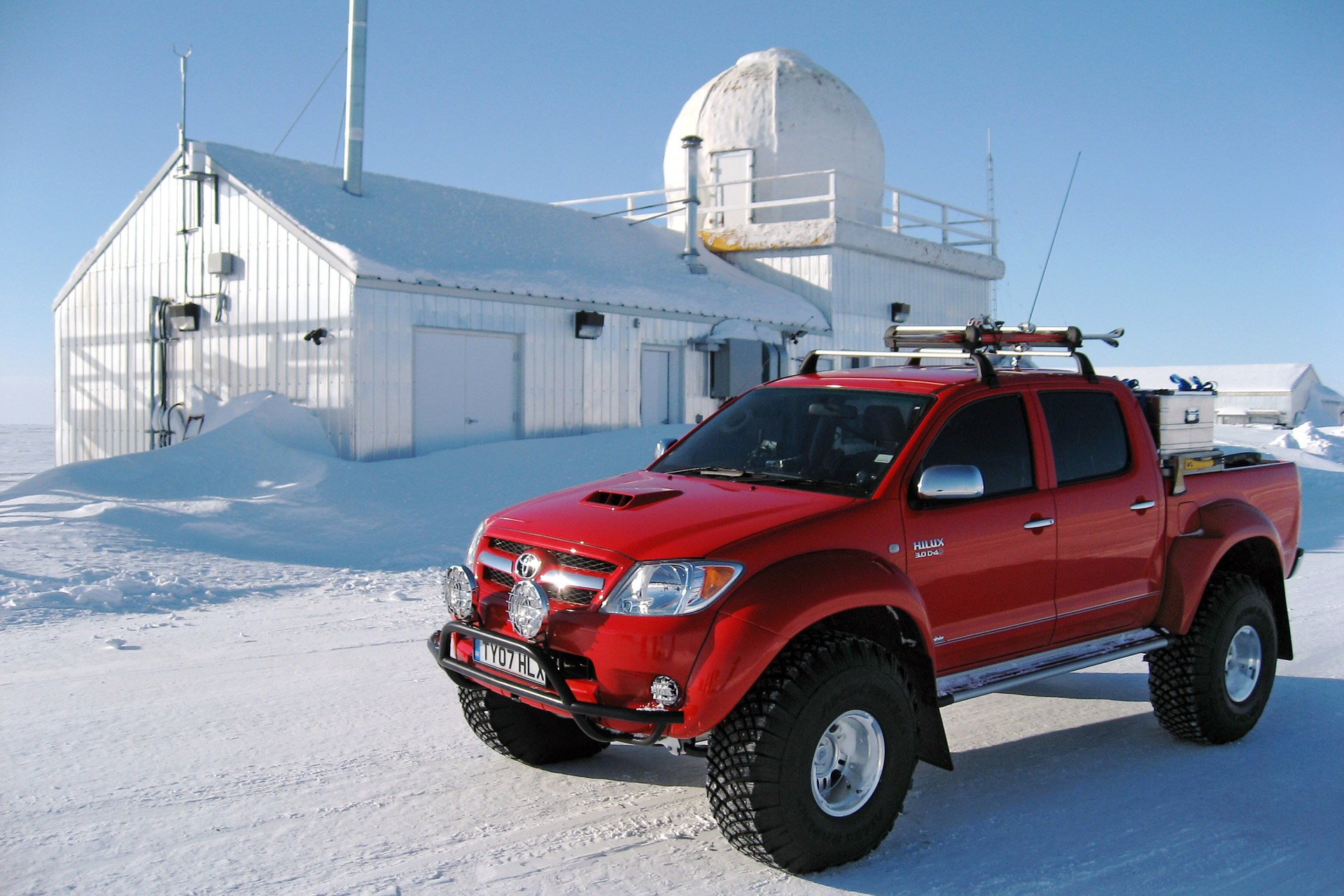 Arctic Trucks Toyota Hilux Photos Photogallery With 21