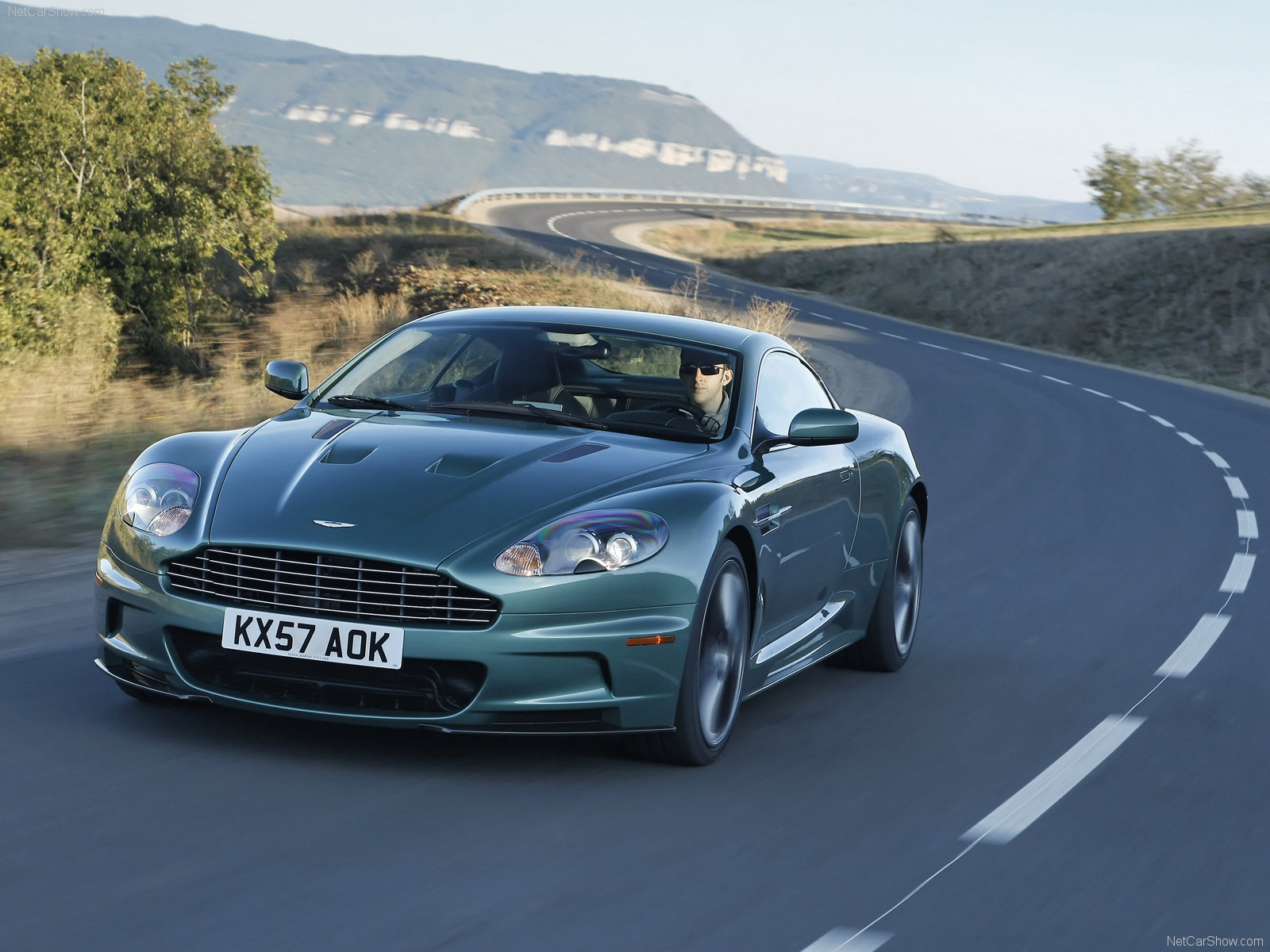 Aston Martin DBS Racing Green photo #49833