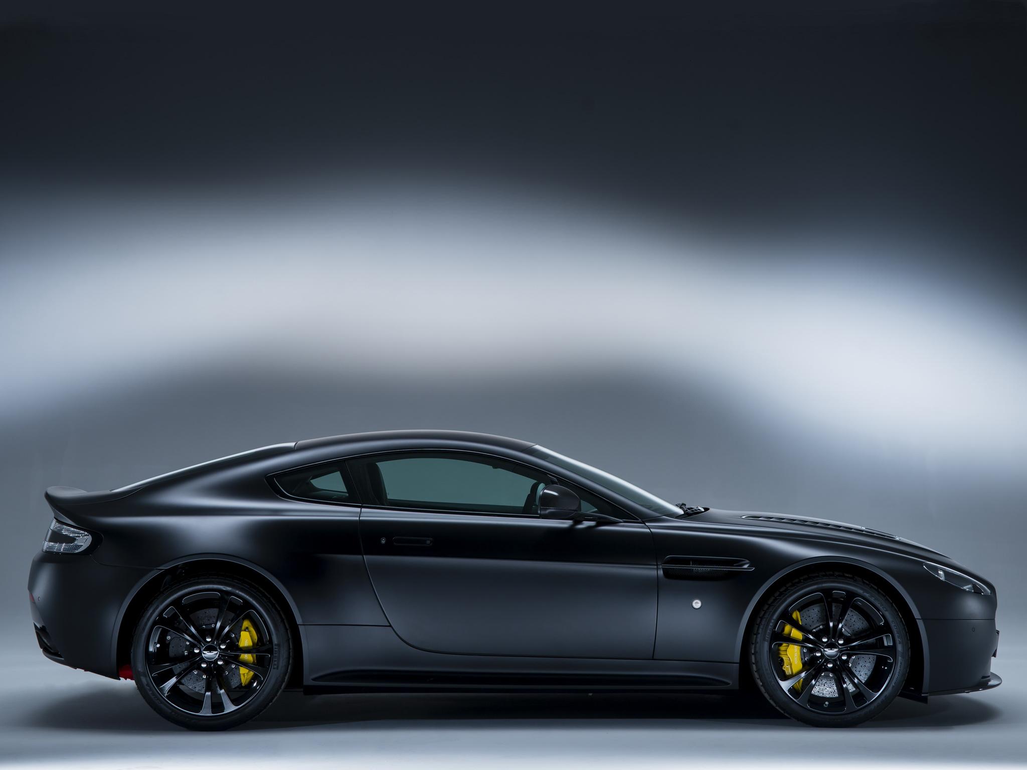 Aston Martin carbon бесплатно