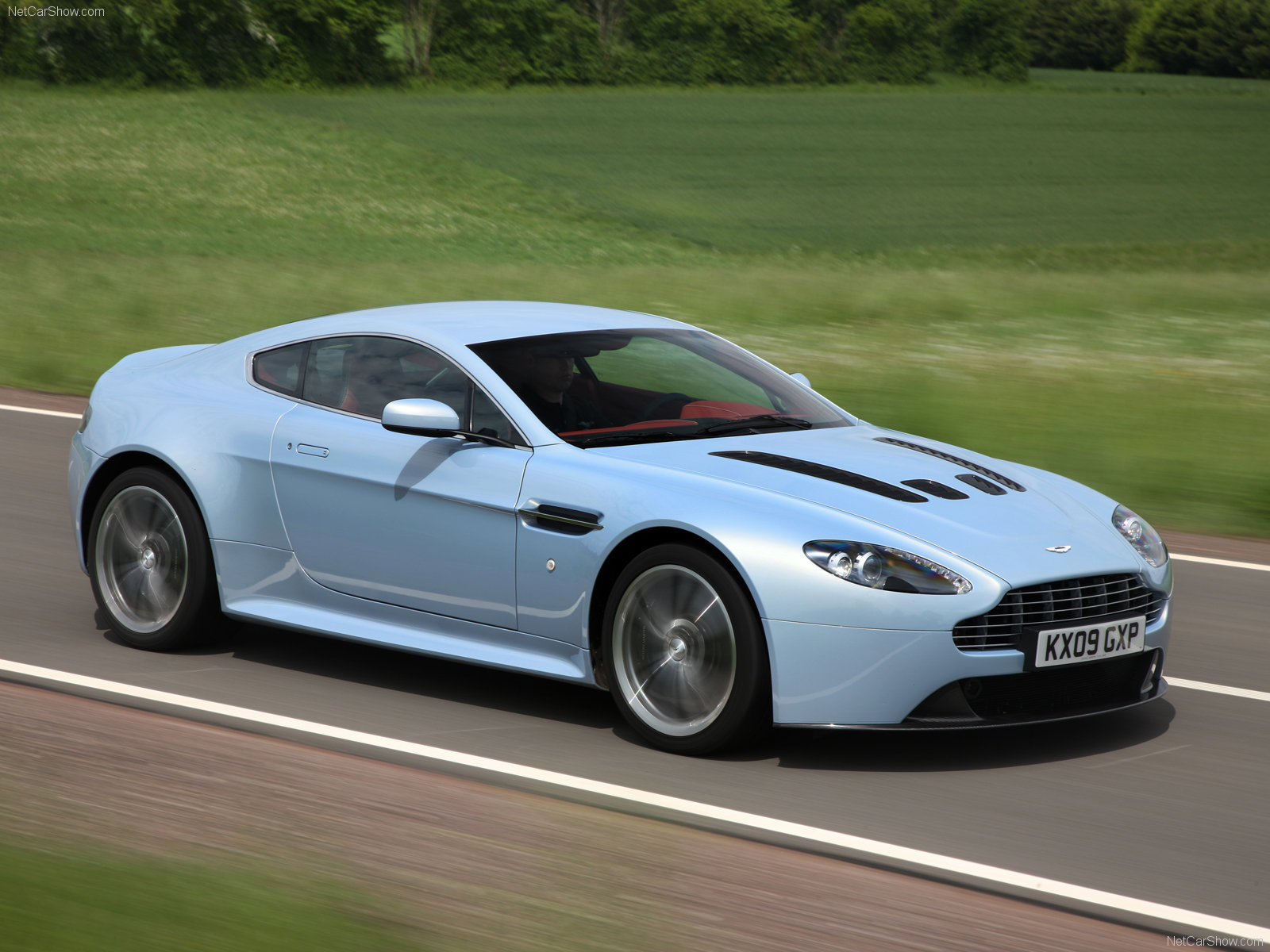 aston martin v12 vantage picture 64328 aston martin photo gallery. Black Bedroom Furniture Sets. Home Design Ideas