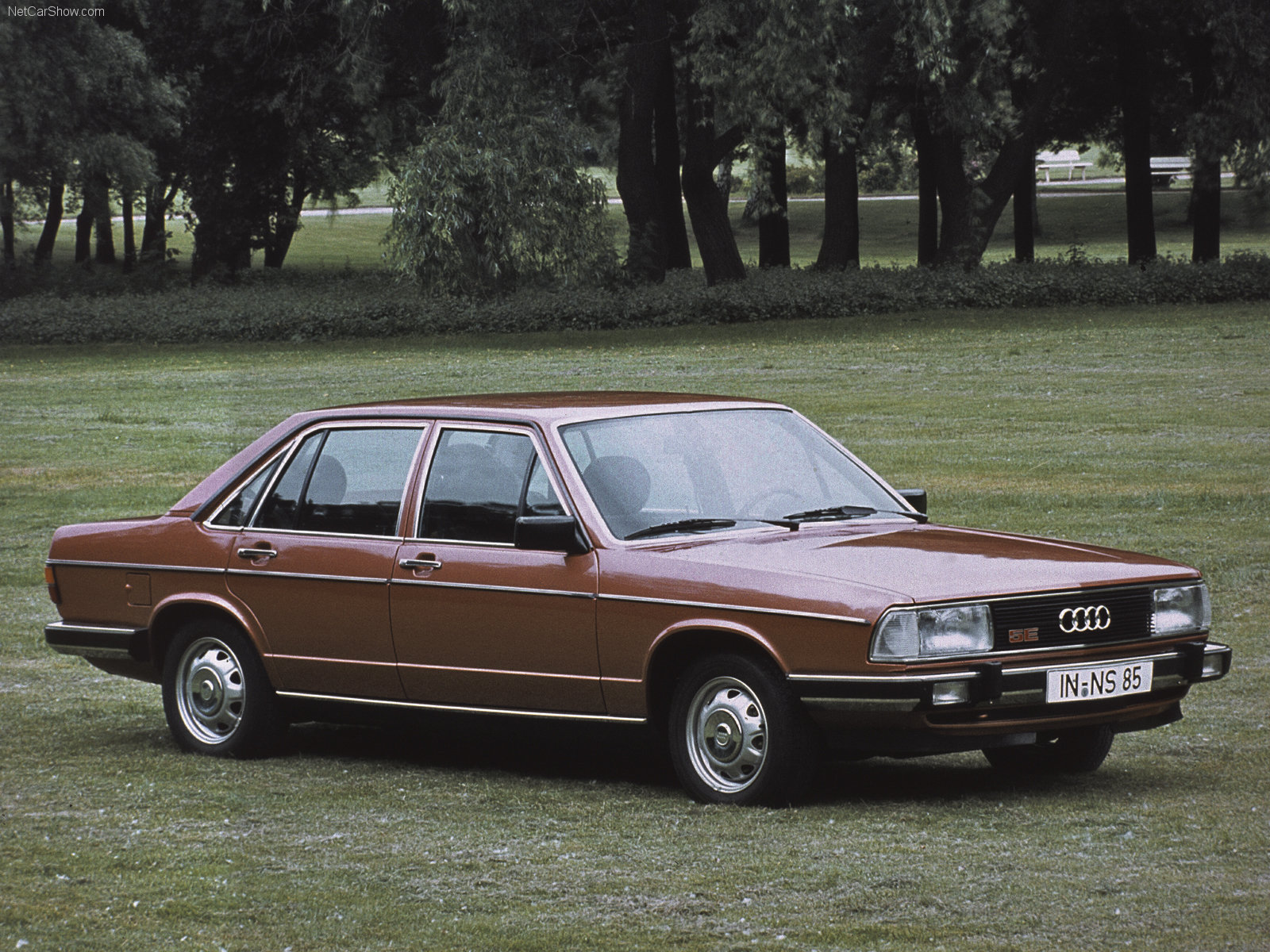 Audi 100 Photos Photogallery With 24 Pics Carsbase Com