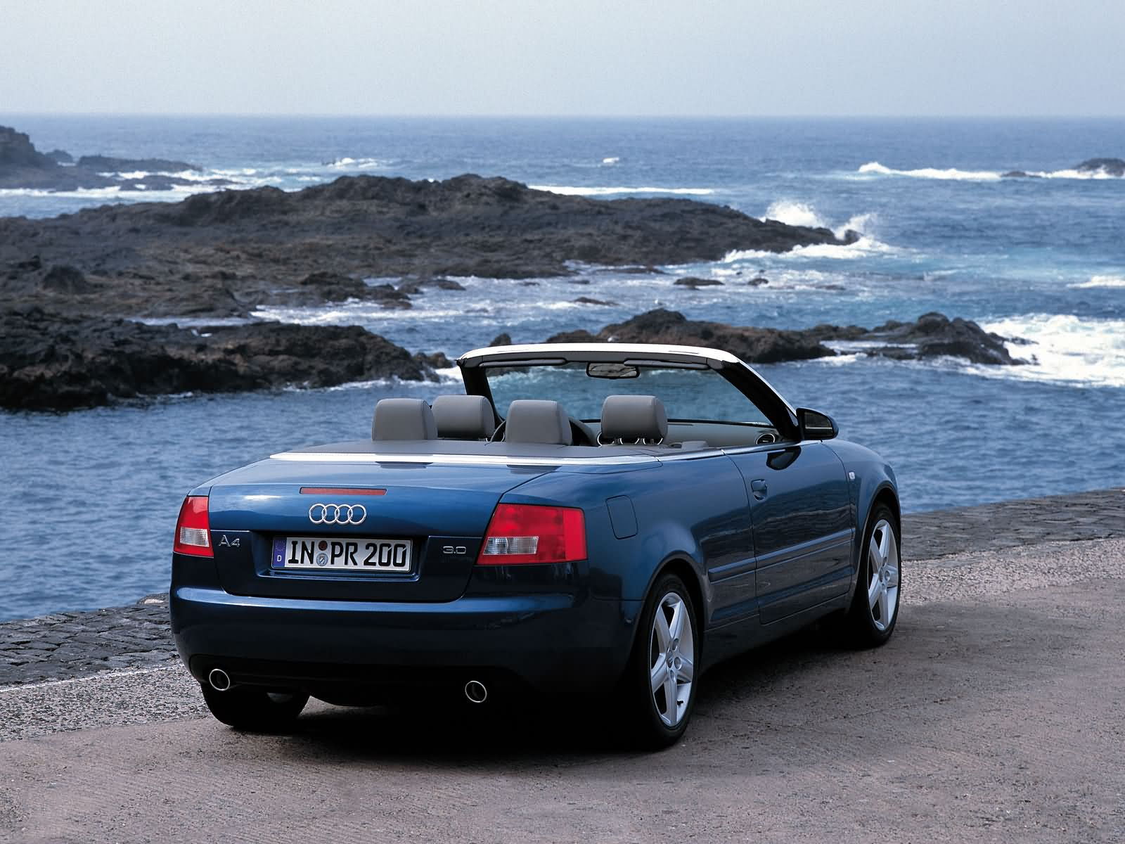audi a4 cabriolet photos photogallery with 37 pics. Black Bedroom Furniture Sets. Home Design Ideas