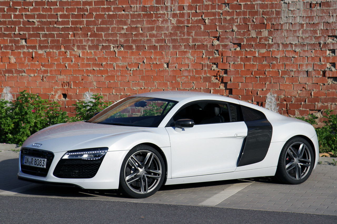 Audi R8 V8 Photos Photogallery With 38 Pics Carsbase Com