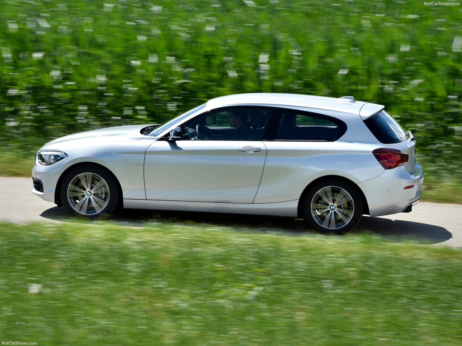 BMW 1-series 3-door E81 photo 180353
