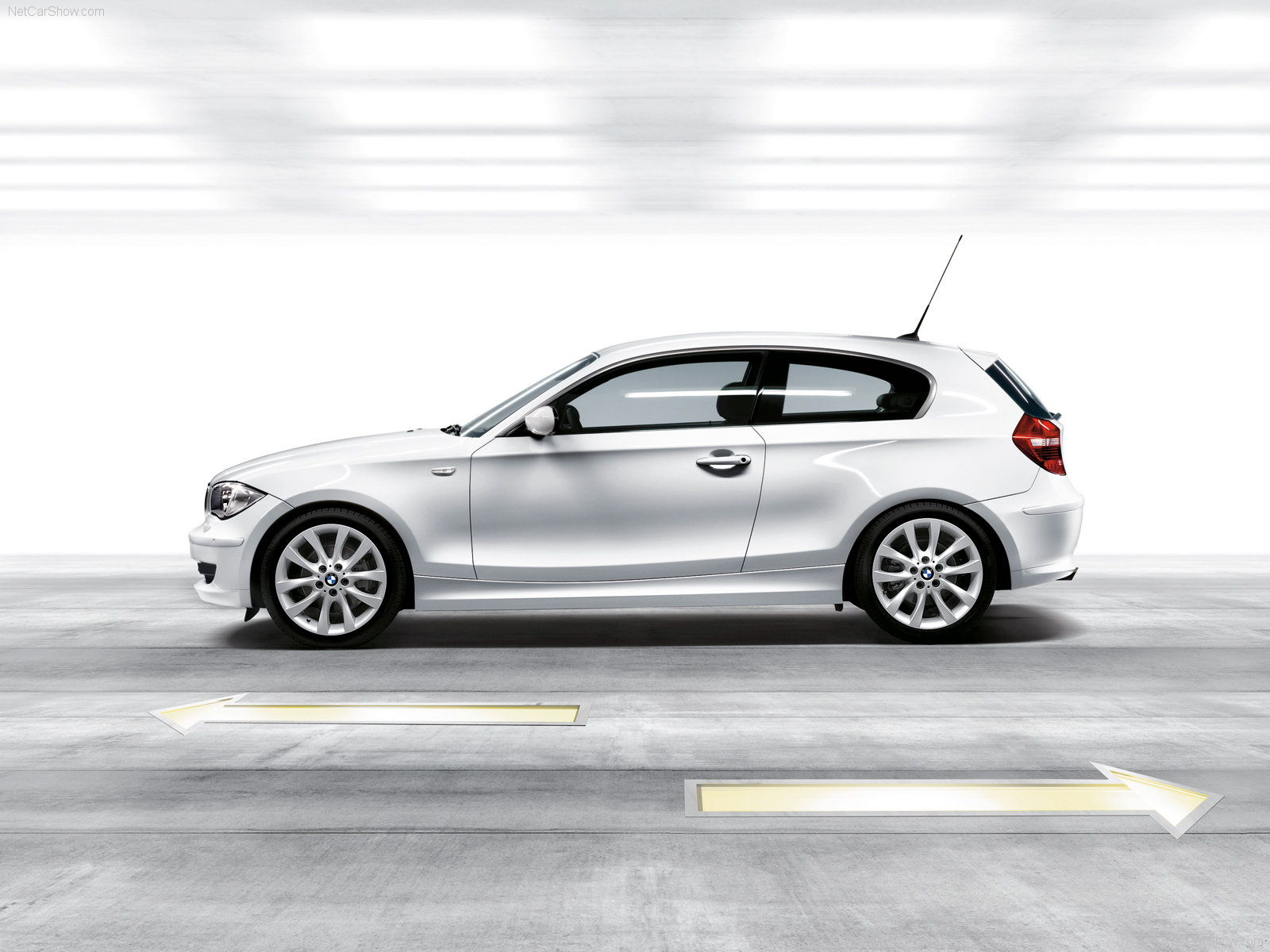 bmw 1 series 3 door e81 picture 40886 bmw photo gallery. Black Bedroom Furniture Sets. Home Design Ideas