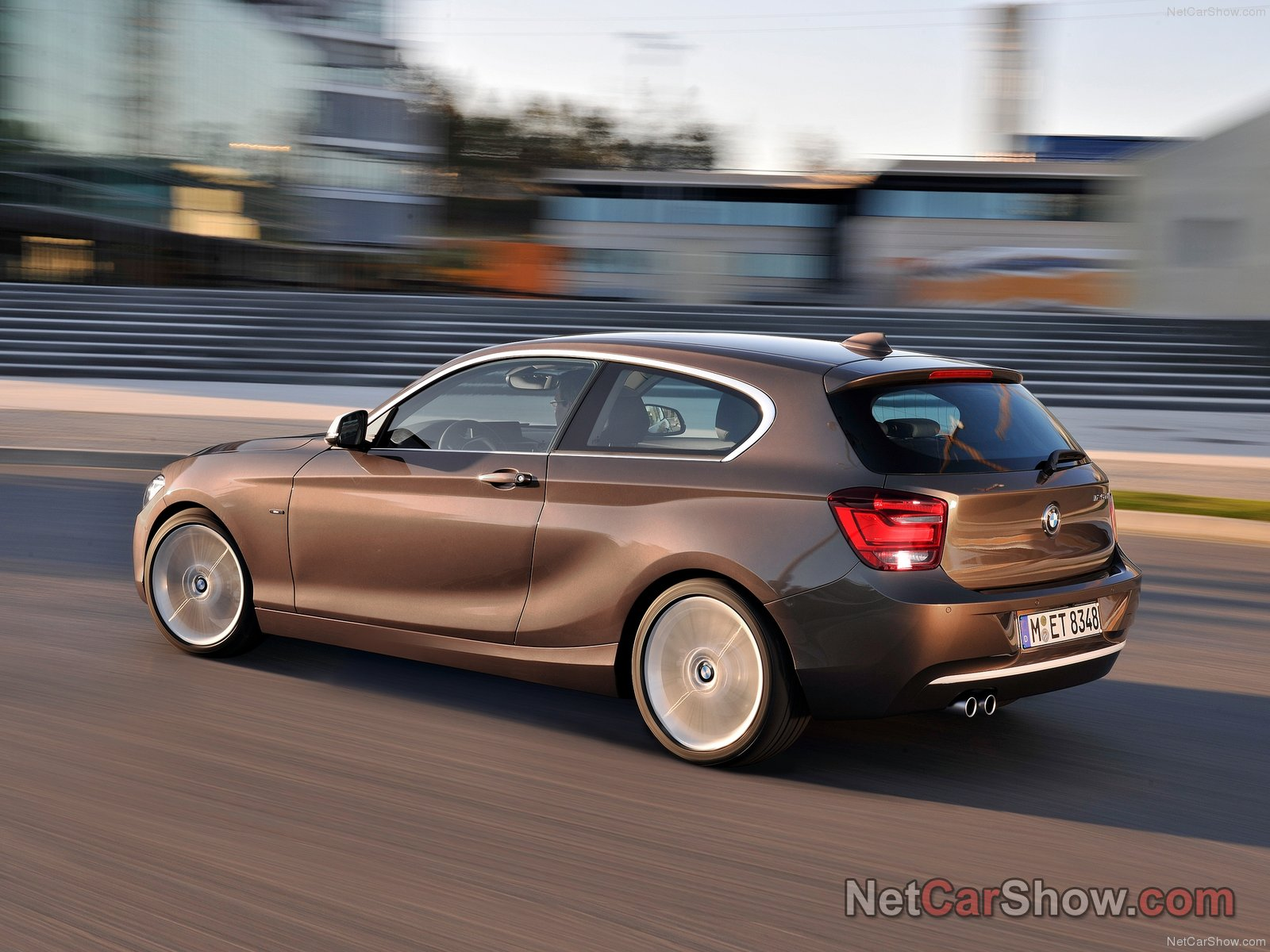 bmw 1 series 3 door e81 photos photogallery with 28 pics. Black Bedroom Furniture Sets. Home Design Ideas