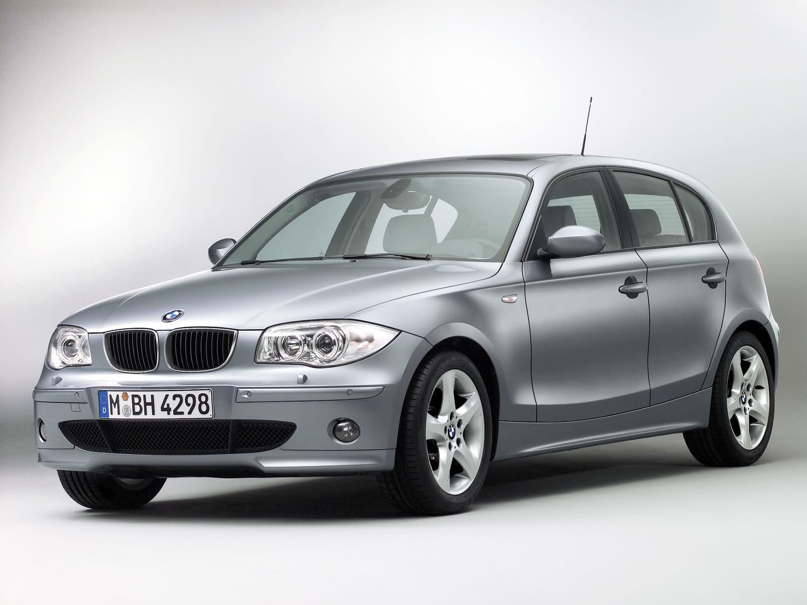 bmw 1 series 5 door e87 picture 15024 bmw photo. Black Bedroom Furniture Sets. Home Design Ideas