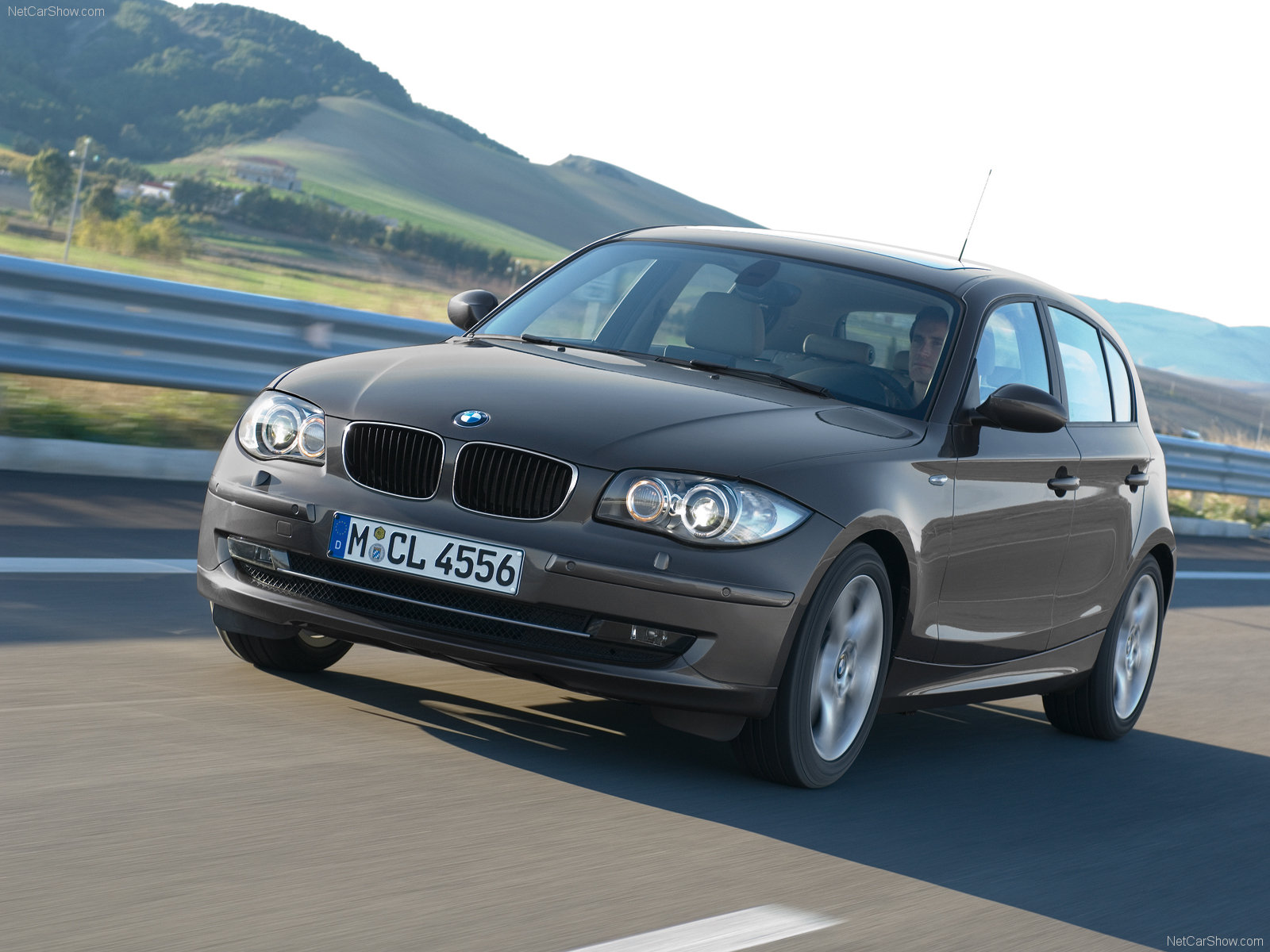 bmw 1 series 5 door e87 picture 40875 bmw photo gallery. Black Bedroom Furniture Sets. Home Design Ideas