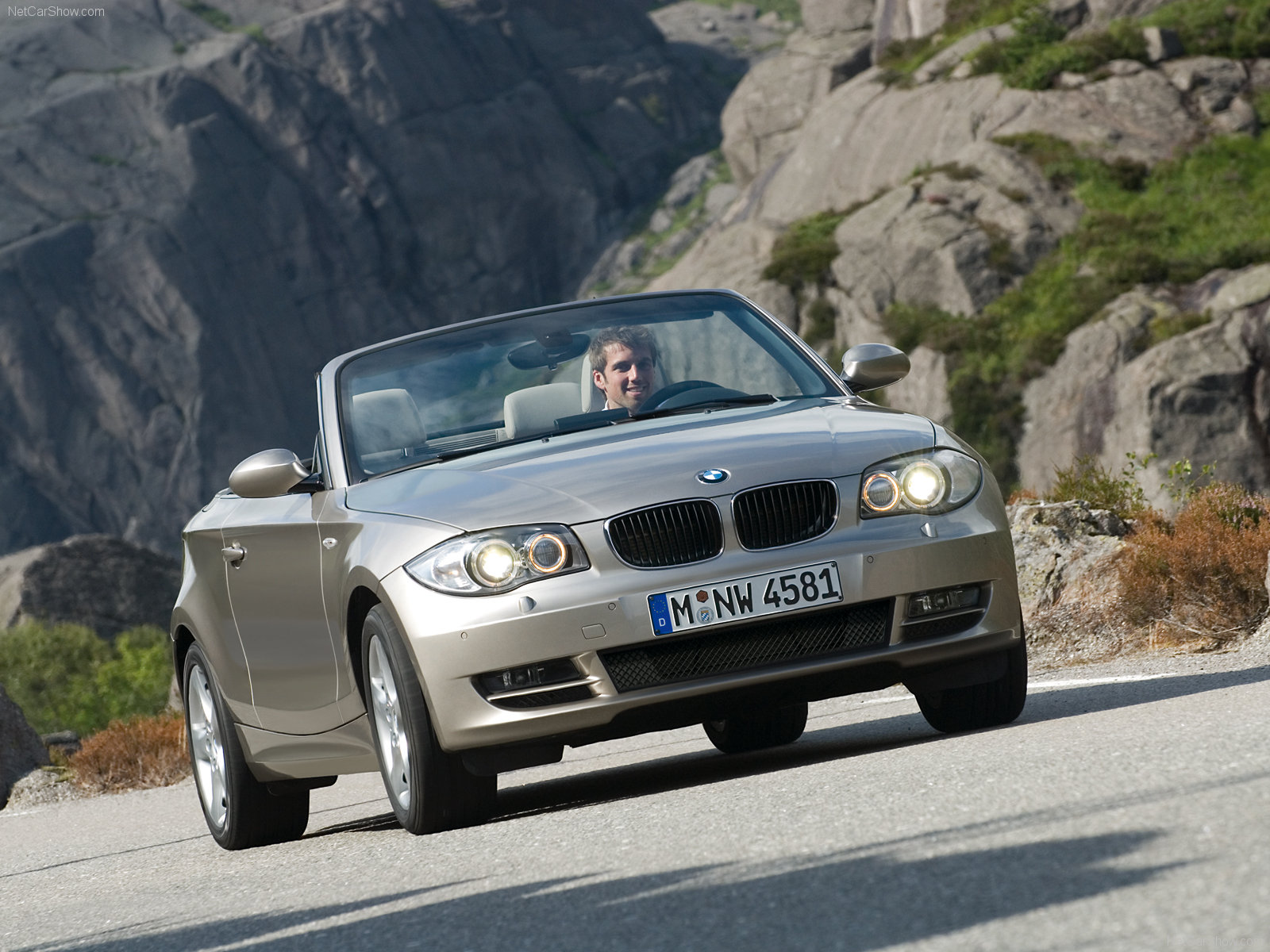 Bmw 3 series convertible front angle road  № 850466 без смс