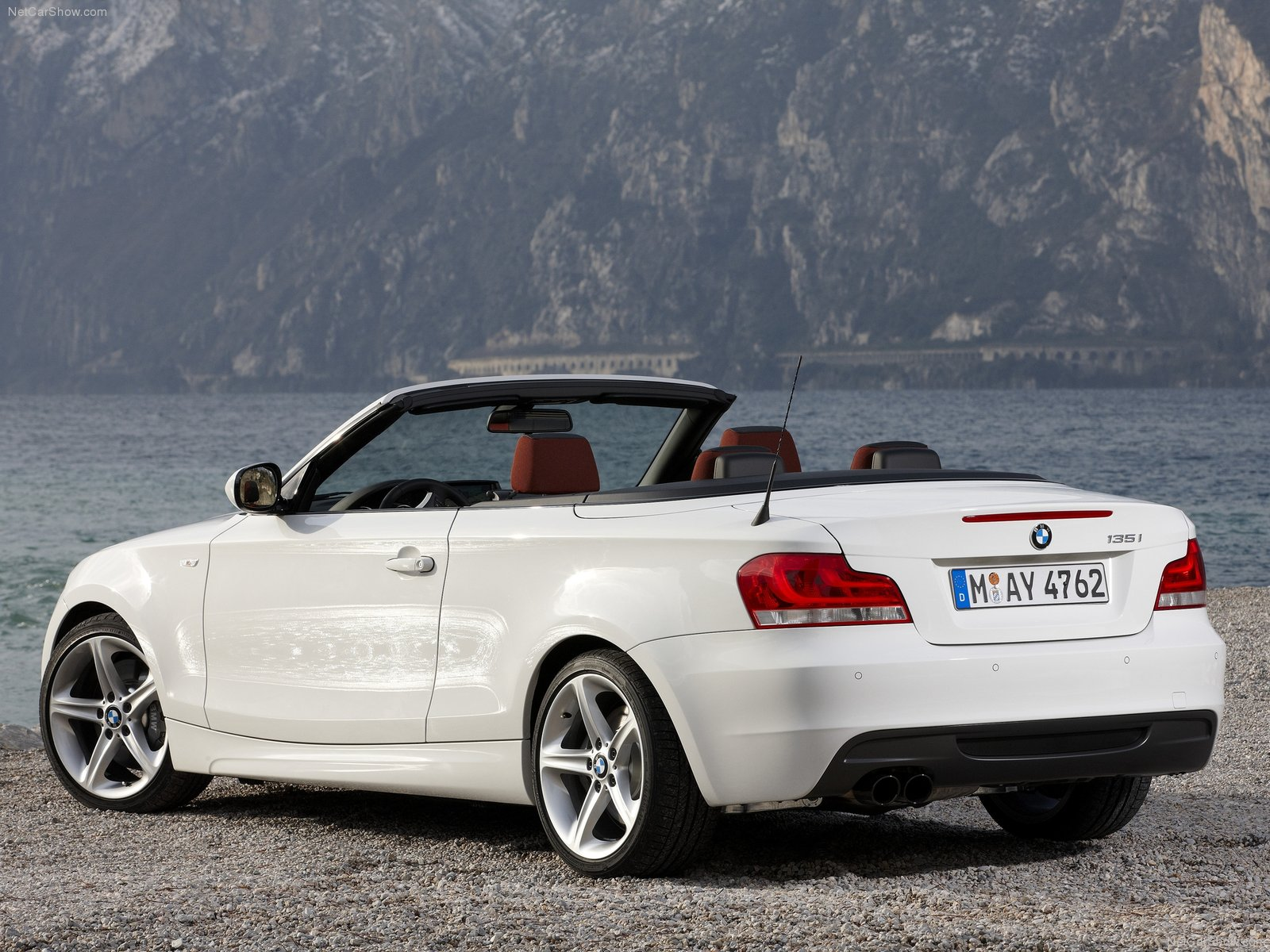 You can vote for this BMW 1-series Cabrio E88 photo