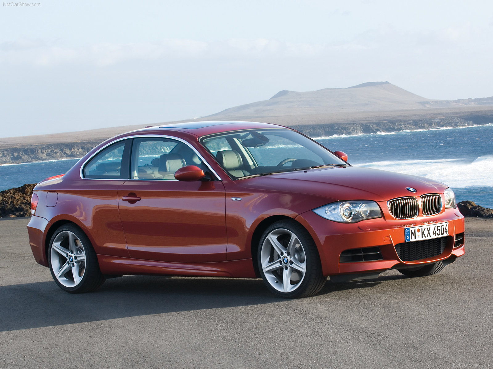 bmw 1 series coupe e82 photos photo gallery page 2. Black Bedroom Furniture Sets. Home Design Ideas