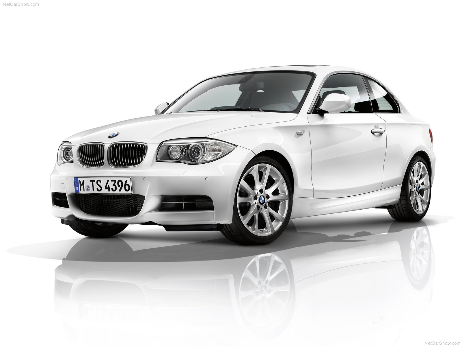bmw 1 series coupe e82 picture 77318 bmw photo gallery. Black Bedroom Furniture Sets. Home Design Ideas