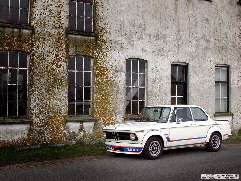 Bmw 2002 Turbo Photos Photogallery With 7 Pics Carsbase Com