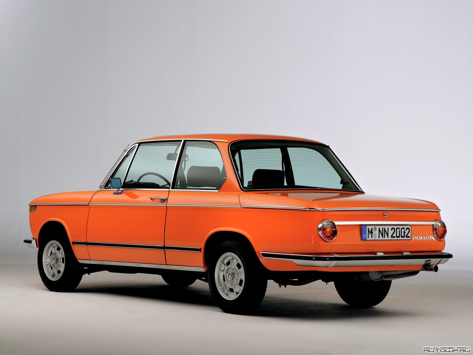 bmw 2002tii photos photogallery with 9 pics. Black Bedroom Furniture Sets. Home Design Ideas