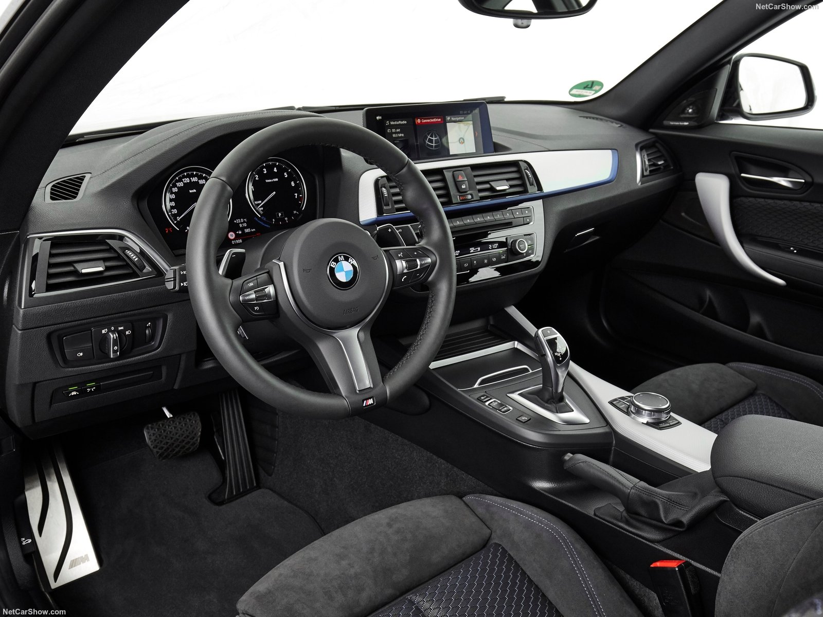 BMW 2-Series Coupe photo 180424