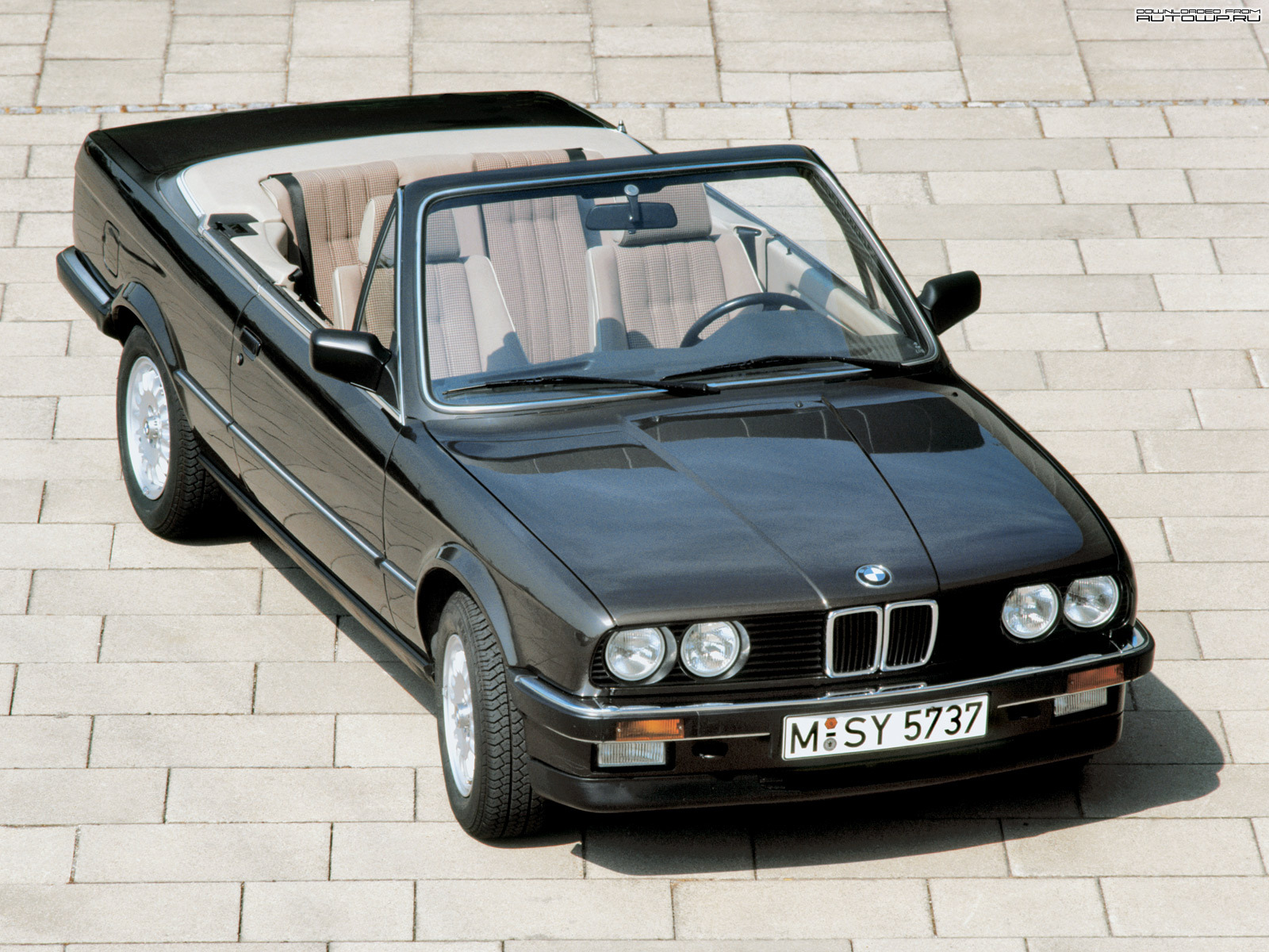 bmw 3 series e30 cabrio photos photogallery with 12 pics. Black Bedroom Furniture Sets. Home Design Ideas