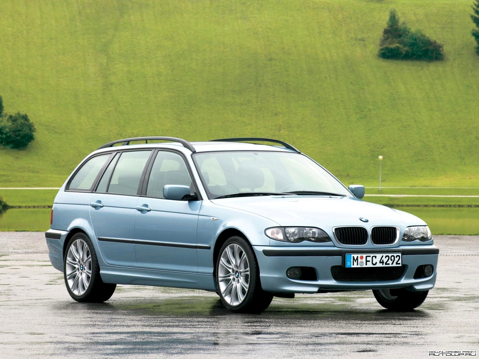 bmw 3 series e46 touring photos photogallery with 28 pics. Black Bedroom Furniture Sets. Home Design Ideas