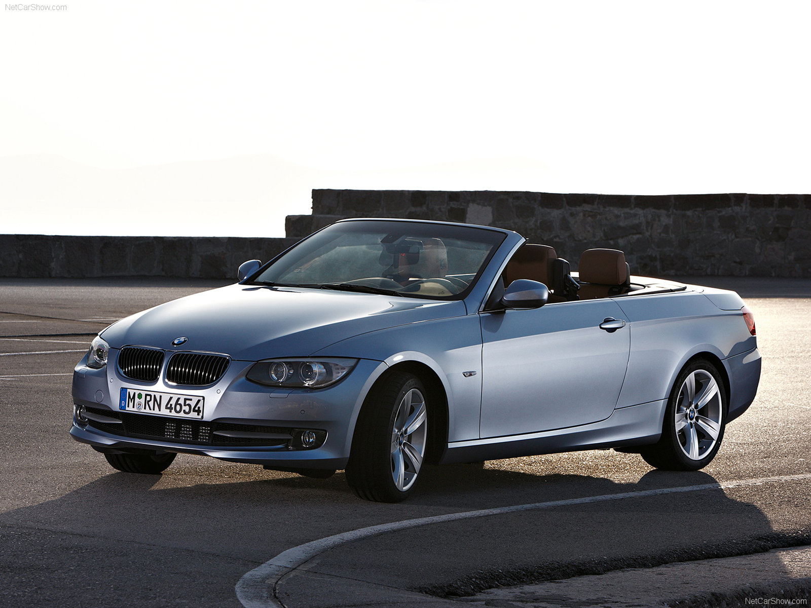 bmw 3 series e93 convertible photos photogallery with 37 pics. Black Bedroom Furniture Sets. Home Design Ideas