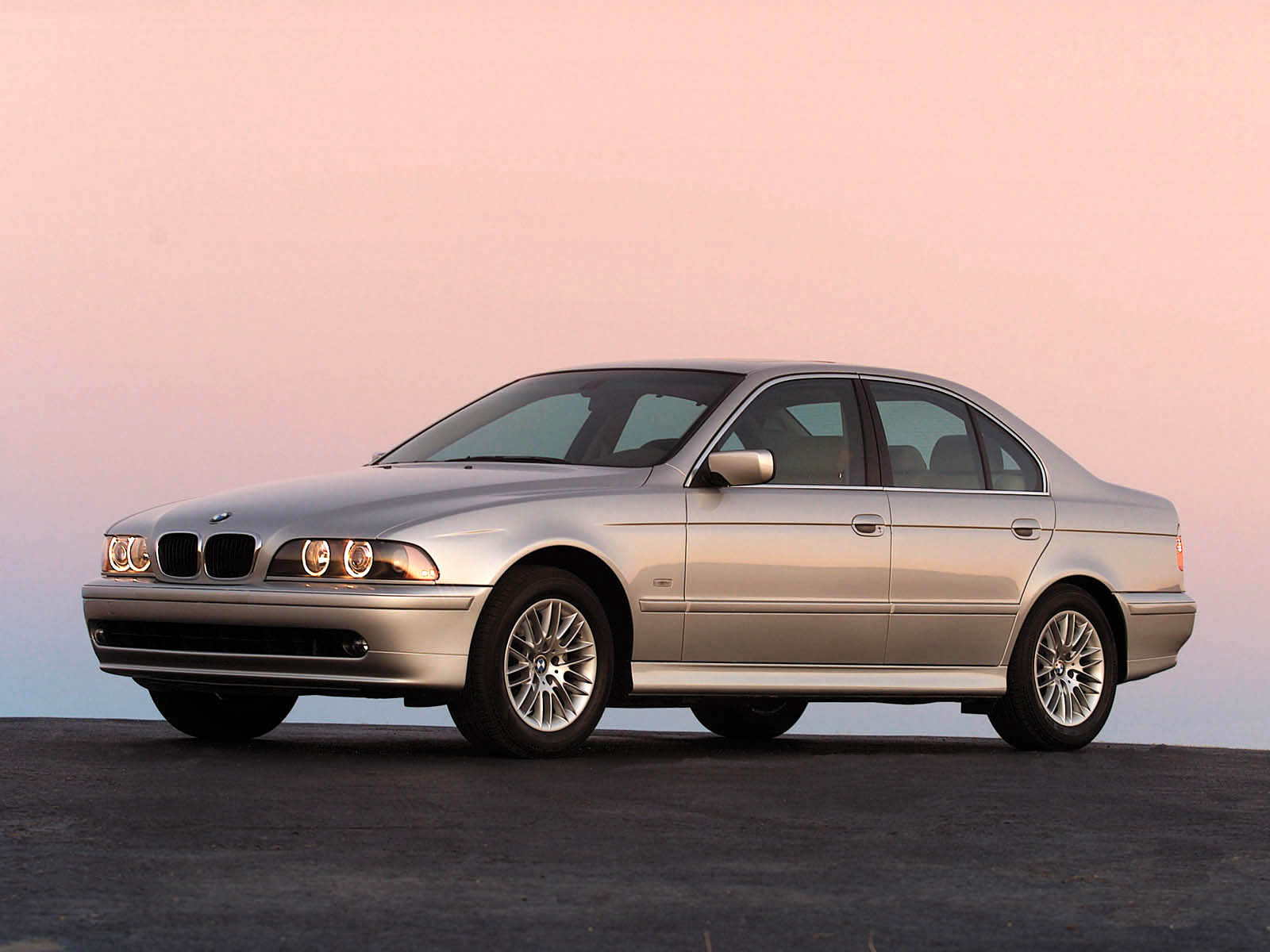 Bmw 5 Series E39 Photos Photogallery With 14 Pics