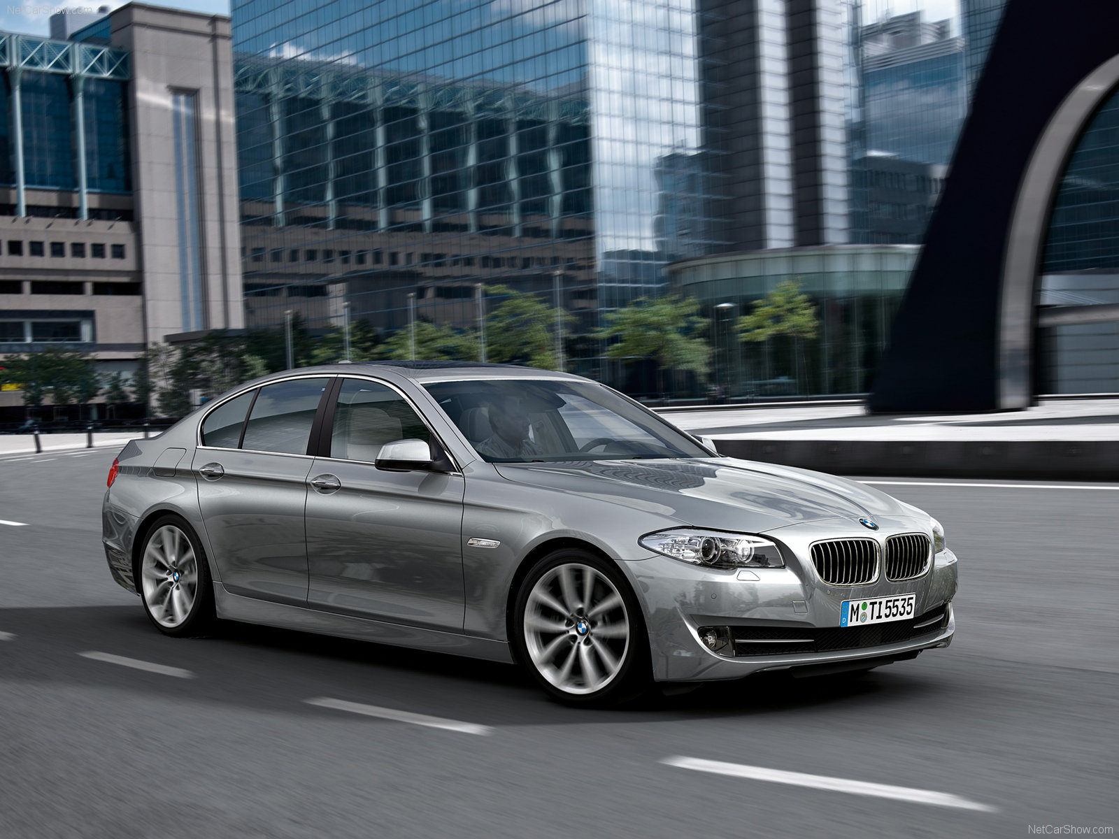 bmw 5 series f10 photos photogallery with 48 pics. Black Bedroom Furniture Sets. Home Design Ideas